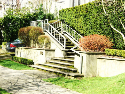 Steps and Retaining Walls in Bothell, WA